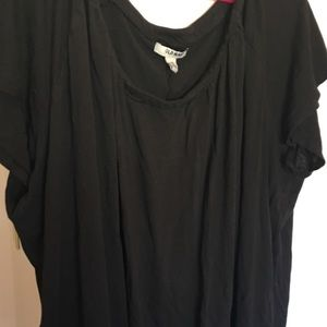 Old navy black tee